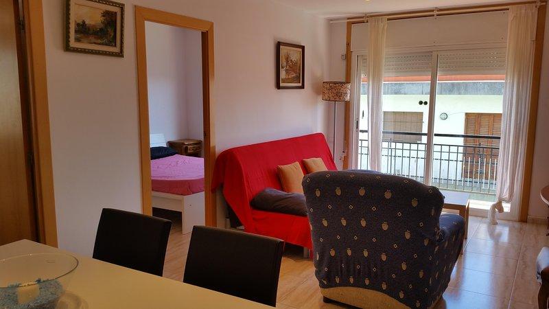 VAQUER FLAT 1, vacation rental in Sant Pol de Mar