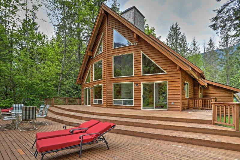 Le Pacific Northwest vous appelle depuis cette magnifique location de vacances à Baring.