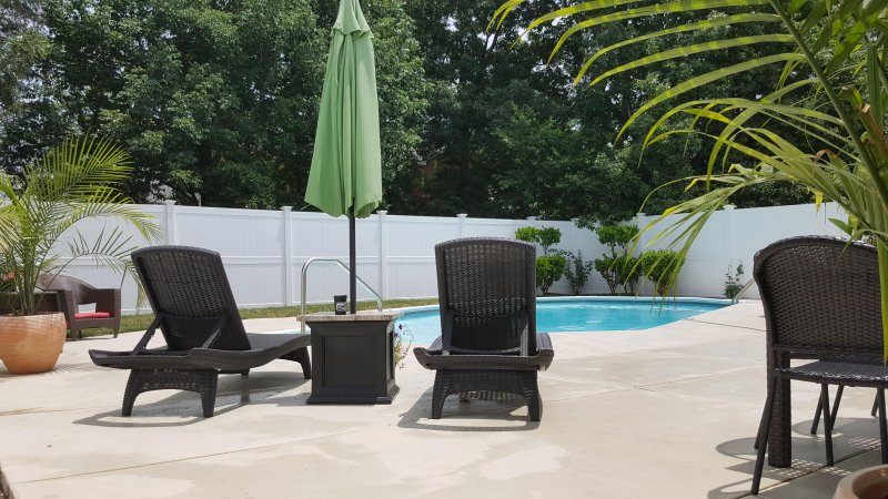 ** 4BR/3.5BA LUXURY NASHVILLE HOME..POOL..FREE WIFI, holiday rental in Gladeville
