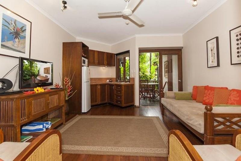 COUPLES OASIS, vacation rental in Port Douglas