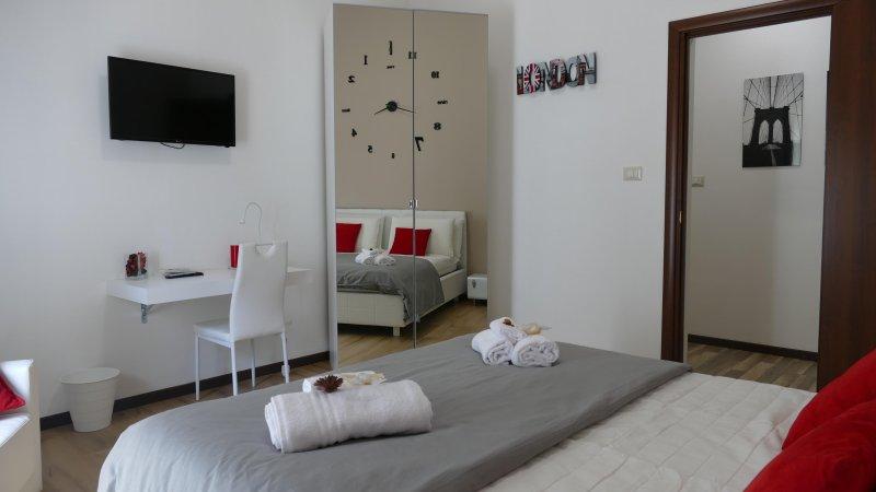 B&B centro Catania elegante e confortevole, vacation rental in Mitogio