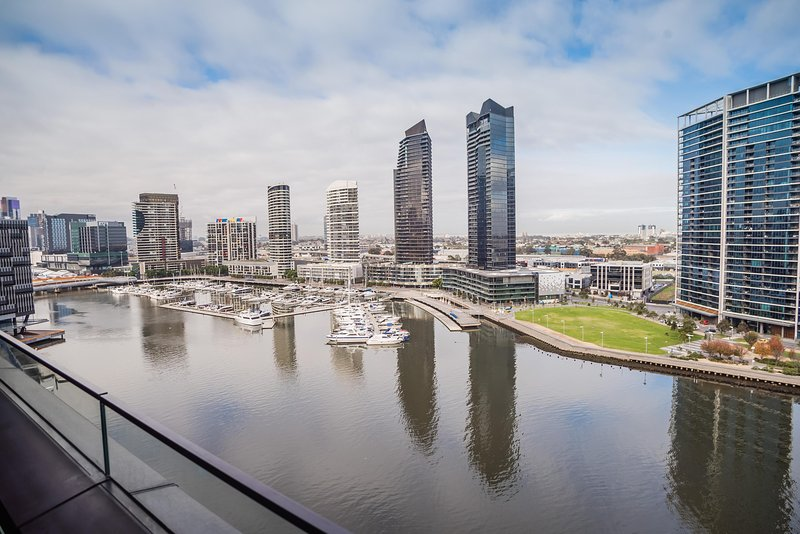 Melbourne Private Apartments - 889 Collins Street