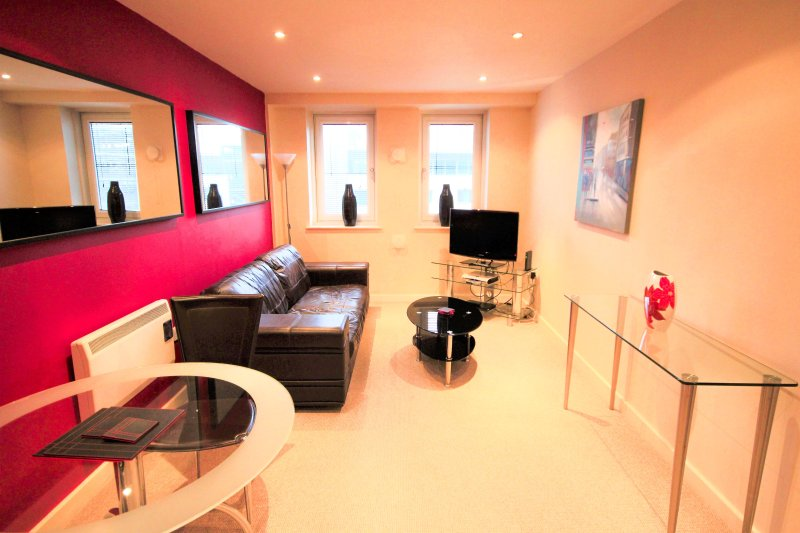 Properties Unique - City Quadrant Apartments (1 Bed), vacation rental in Newcastle upon Tyne