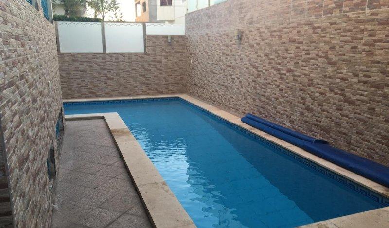 Stylish 6 bedroom Villa with swimming pool Ref : A1052, location de vacances à Agadir