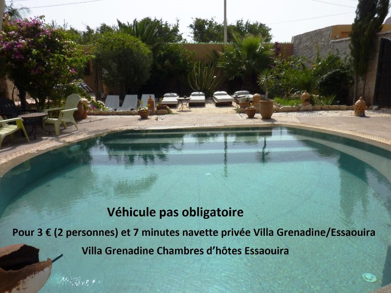 Villa Grenadine chambres d'hôtes 7 Chambres   5 SdB   Piscine 16 couchages, holiday rental in Essaouira