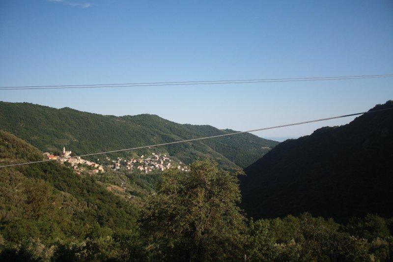 La Bottega, terrazza panoramica, boschi, mare e silenzio, vacation rental in Sori