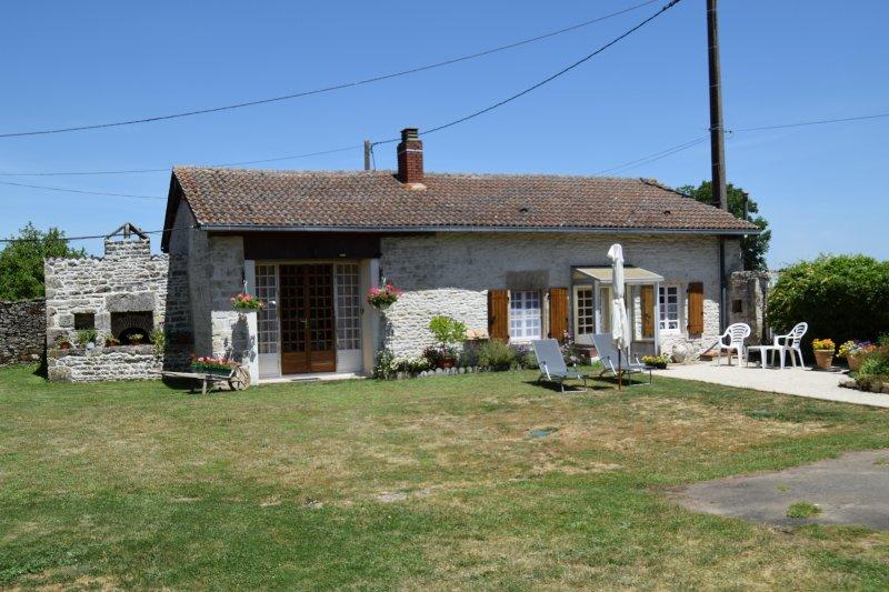 Le Cottage Gite, aluguéis de temporada em Savigne