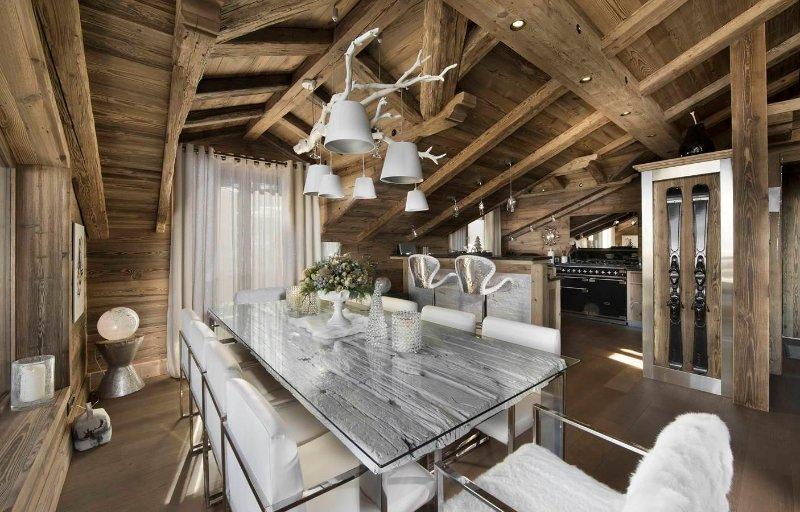 hermoso comedor cocina abierta y sala de estar