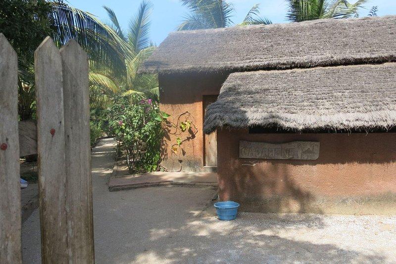 Casabéné - Une Case de rêve au bord de l'eau - Sénégal, holiday rental in Kartong