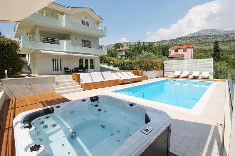 Genießen Sie im Jacuzzi und absolute Privatsphäre in der Villa befindet sich in sehr natürlichen Umgebung