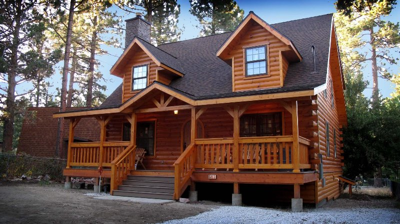 The Holiday Cabin in Big Bear City,Ca, vacation rental in Big Bear City
