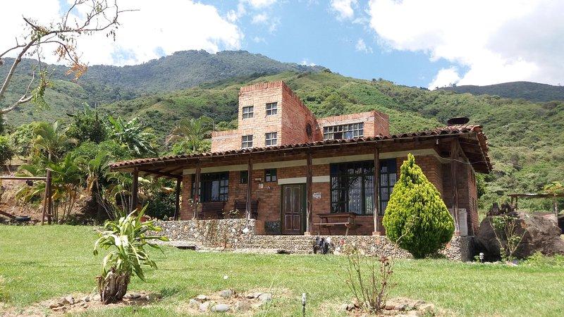Finca Ventanas de Don Jose, holiday rental in El Cerrito