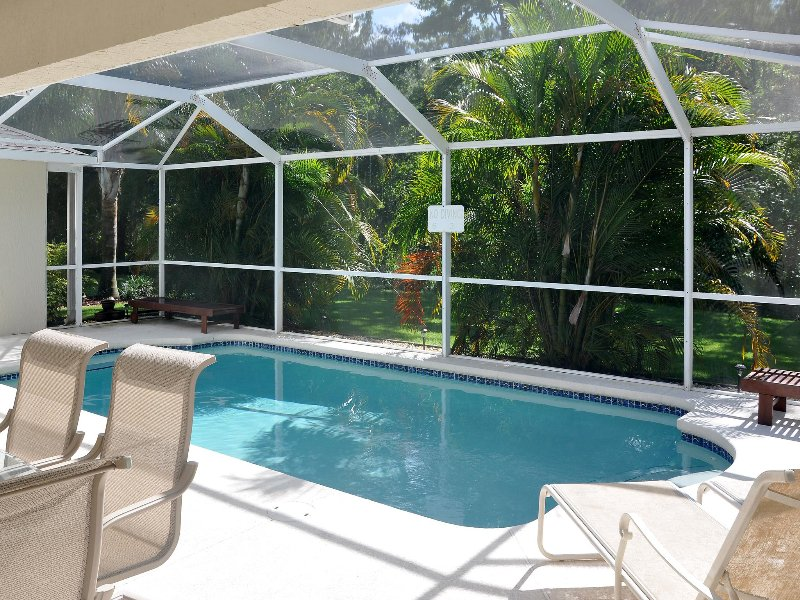 Most private backyard in Orlando! Minutes 2 Disney, aluguéis de temporada em Loughman