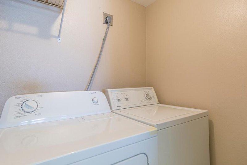 Ocean Vista 205 sala de lavado