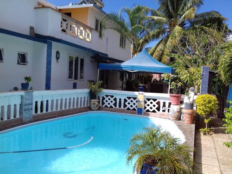 La villa et sa piscine privée