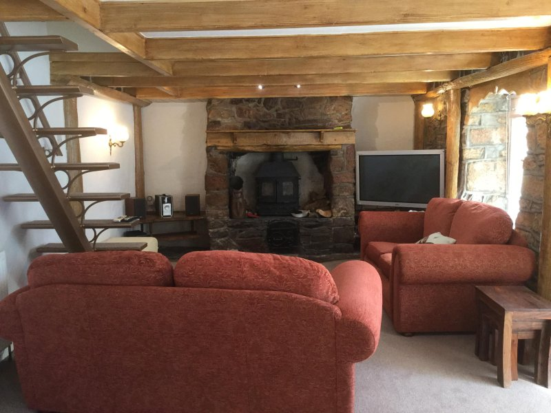 Loung, TV with free view tv, soundbar, stereo, multi-fuel wood burner for those cold nights