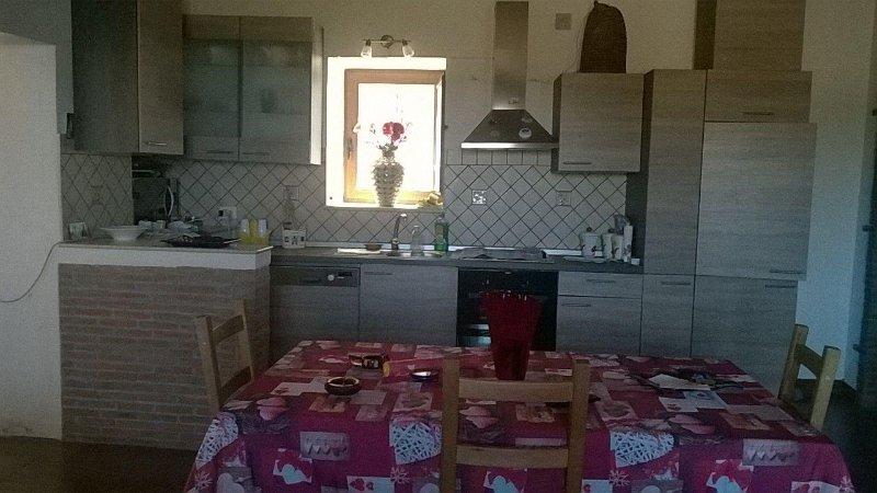 casa a venetico superiore, holiday rental in Venetico