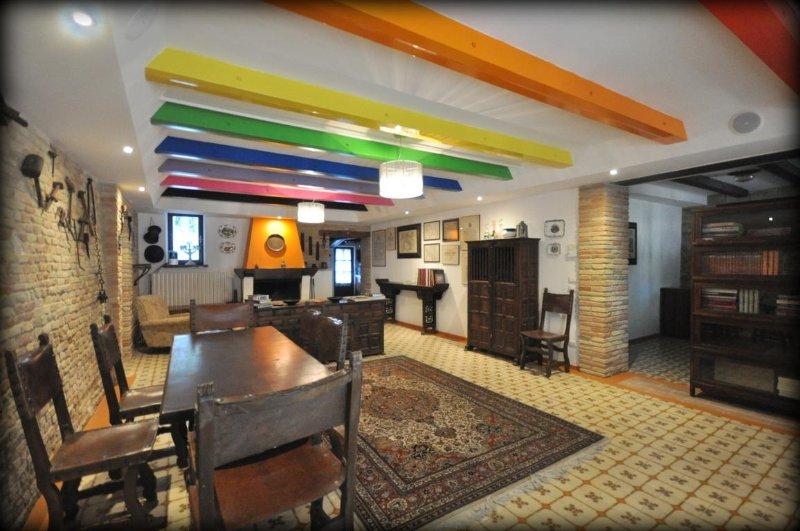 BARBAGIANNI - Grande appartamento, fresco e bellissimo - Piscina e parco, holiday rental in Monte Porzio