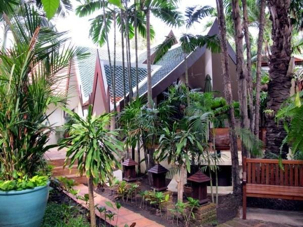 The Three Elephants, 1 bedroom bungalow with living and terrace (165), holiday rental in Jomtien Beach