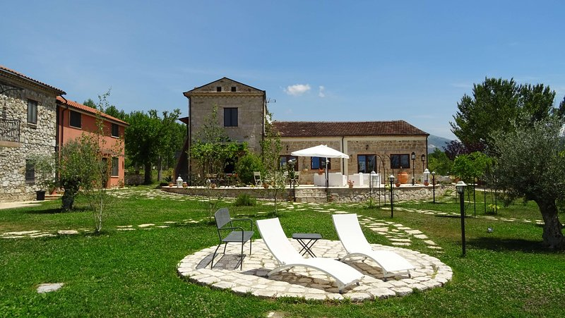 AGRITURISMO IL PIOPPETO - Monolocale Magnolia, holiday rental in Sant'Elia Fiumerapido