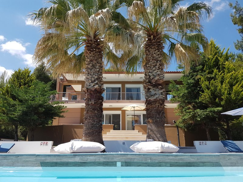 Luxurious Villa Anna Maria with Private Pool, holiday rental in Kassandra