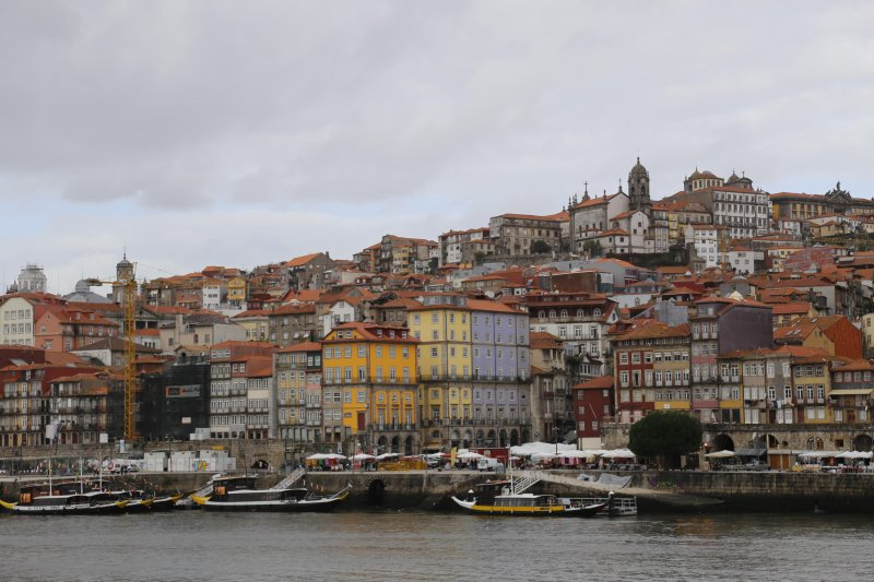 Porto, 2h, 180 km