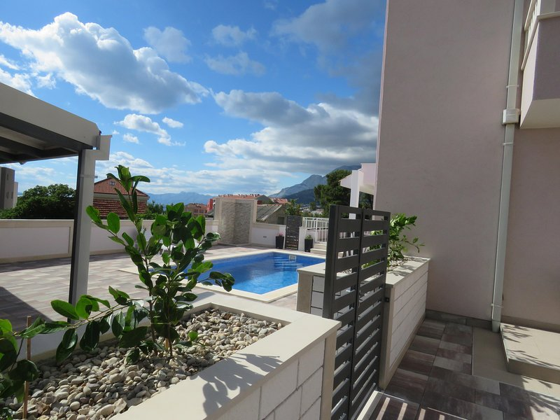 Vacationhouse Natasha wit POOL, alquiler vacacional en Makarska