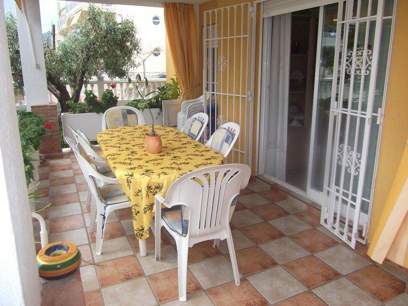 PLANTA BAJA BALI CON  AIRE ACONDICIONADO BARBACOA JARDIN PRIVADO REF A260, vacation rental in Xeraco
