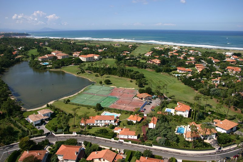 view on to Chiberta golf and tennis clubs.