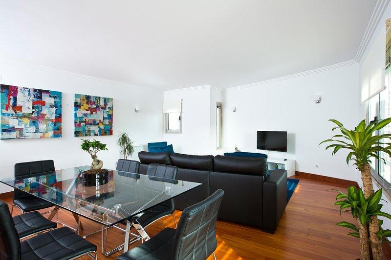 APT IN LISBON ORIENTE 25 | Apartment W / 2 bedrooms, vacation rental in Montijo