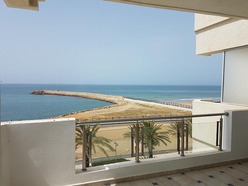 Vivienda de lujo totalmente amueblada En 1ª línea de playa y paseo, alquiler de vacaciones en Arcila