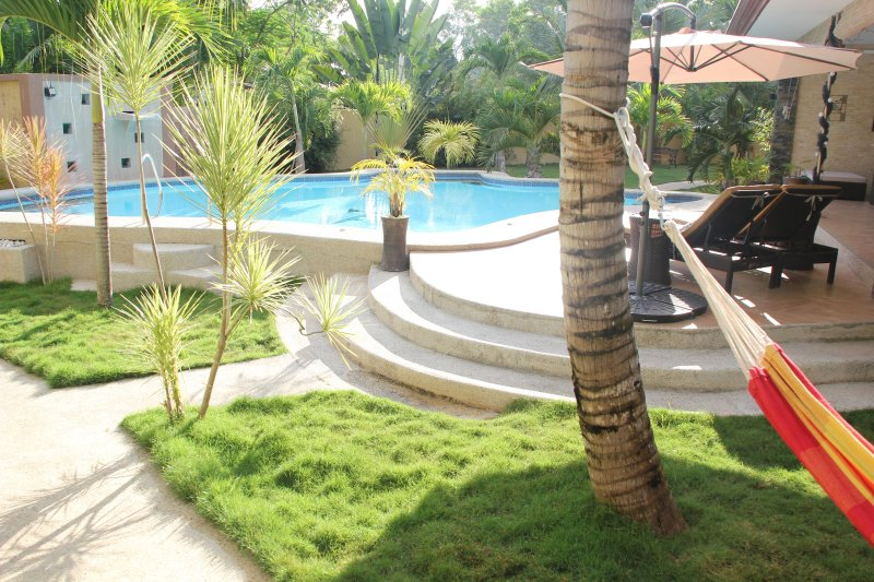 Casa Cataleya Bohol Self Serviced Luxury Apartments, vacation rental in Panglao Island