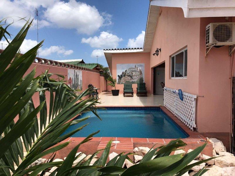 Traumhaftes Haus mit eigenen Pool, vacation rental in Sint Willibrordus