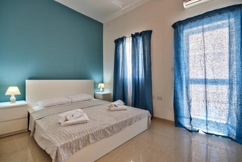 Modern and Stylish 1-bedroom apartment, aluguéis de temporada em Il Gzira
