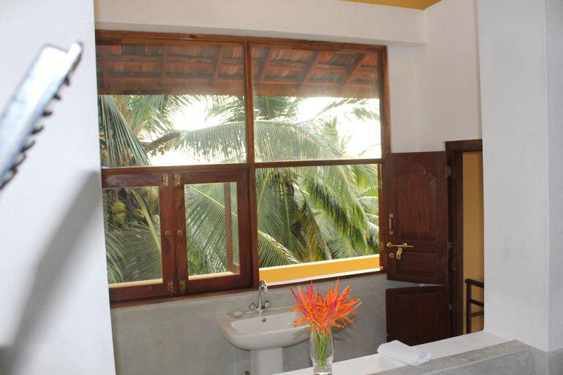 2: a våningen badrum
