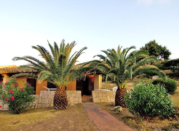 Villetta con terrazzo e giardino sul mare, holiday rental in Palau