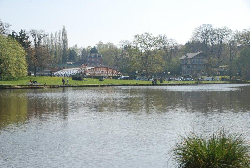 Forges-les-Eaux: piscina Lake Andelle e 500 m da casa