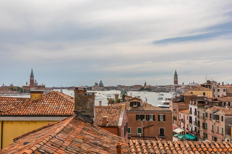the Altana (traditional roof-top terrace) offers a 360° view over Venice historical center