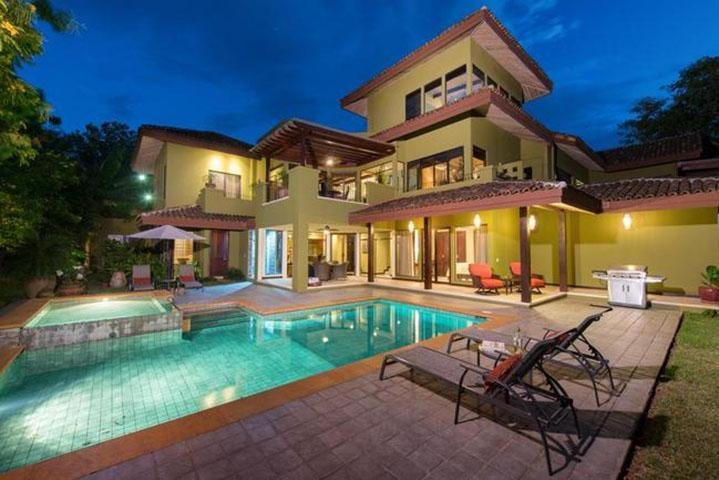 Villa Carao #3 - A Private 4 Bedroom Resort Villa, holiday rental in Huacas