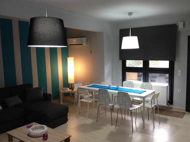 LUX Coastal groundfloor, apt 30min from Thessaloniki's Center,in Nea Michaniona – semesterbostad i Mesimeri