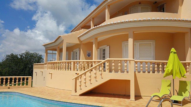 QUINTA DA VIOLETA  villa with panoramic view, vacation rental in Loule