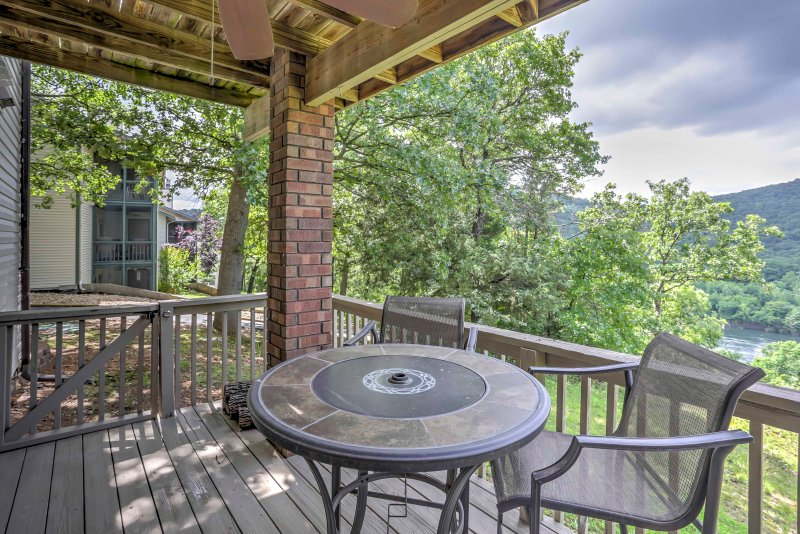 This 2-bedroom, 2-bathroom condo in Branson overlooks the Ozark Mountains.