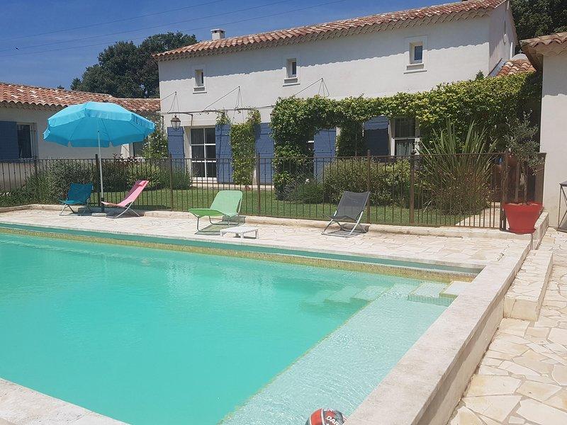 'La Signargue' mas moderne, convivial et confortable, vacation rental in Aramon