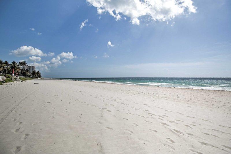 Situato di fronte al mare, questa struttura si trova a pochi passi dalla sabbia.