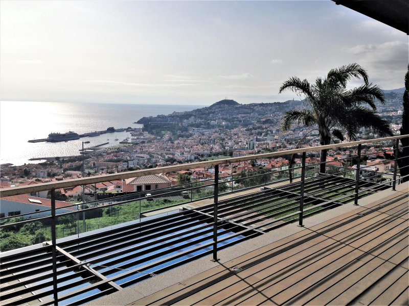 Frist Floor Terrace - View from the Bedroom´s