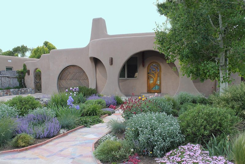 Santa Fe Hobbit House Summer