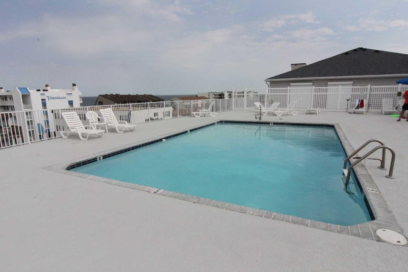 Large Sun Deck and Pool on 4th level