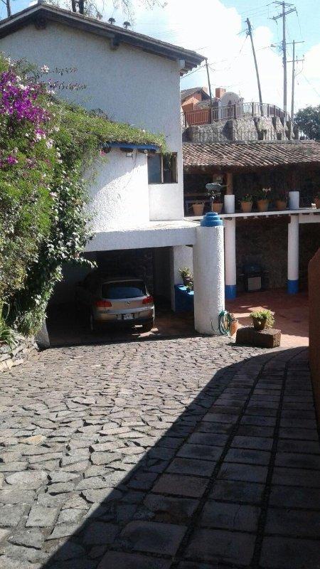 Entrance / Garage