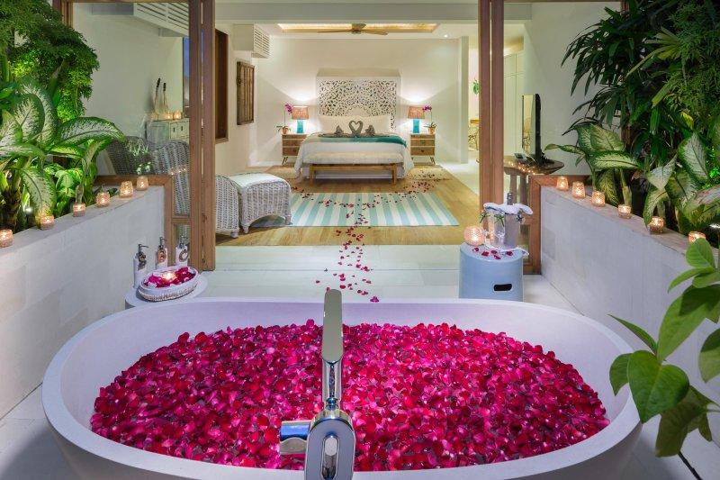 baignoire extérieure Chambre principale, Villa Zambala