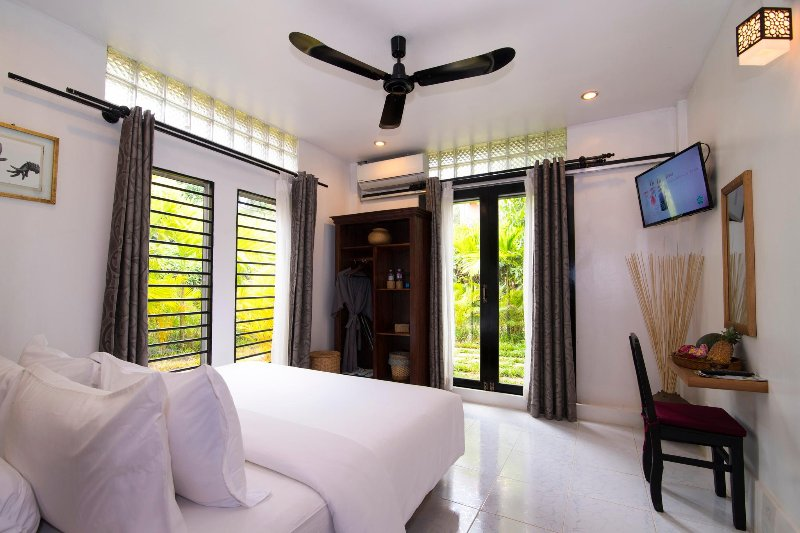 Enkosa Modern 3-Bedroom Luxury Villa, location de vacances à Province de Siem Reap